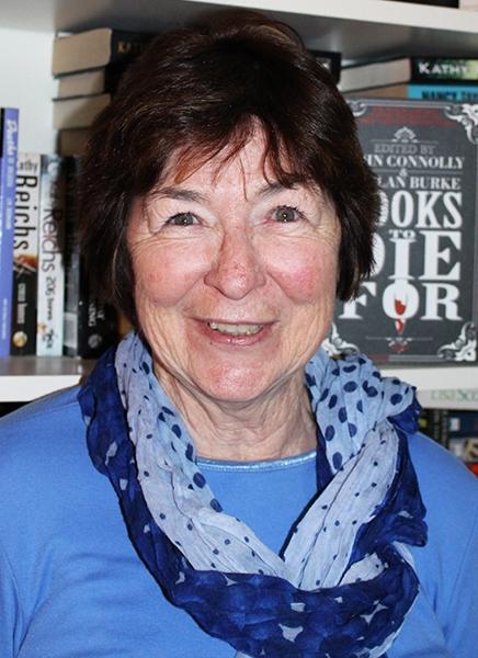 Lesley Gillis headshot